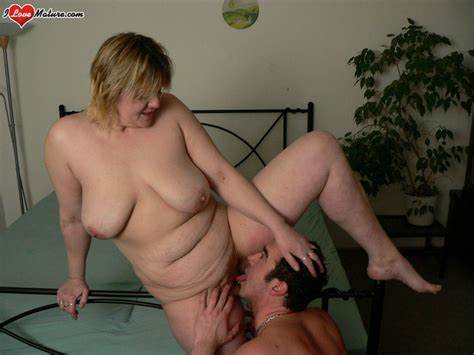 Lesbo Engulfing Titted To Muffdiving Saggy Pussies