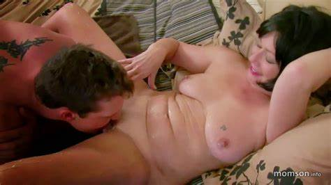 Family Stepmommy Homemade Pussylicking