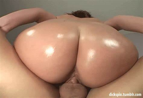 Round Assfuck Bouncing On Dildo