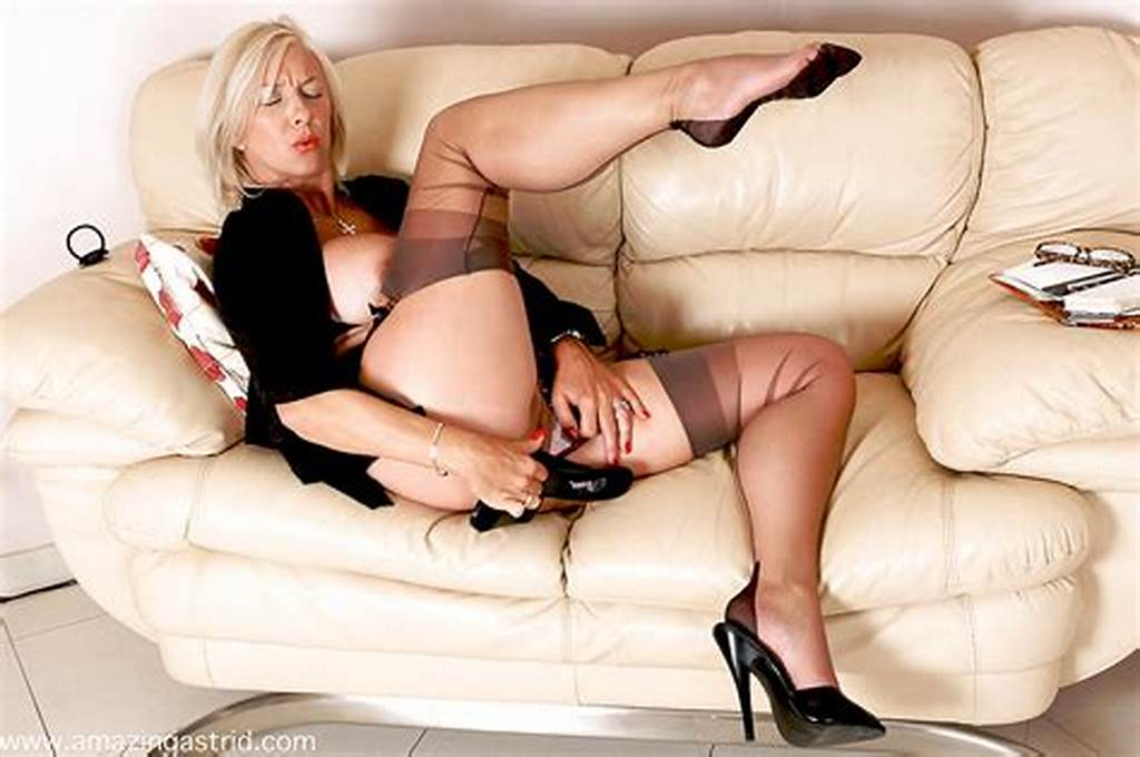 #Lewd #Mature #Business #Lady #In #Nylons #Stuffing #Her #Pussy