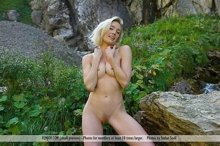 Teen Natural Nude Gallery
