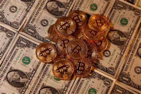 The best day to change bitcoin in us dollars was the sunday, 14 march 2021. Le cours du bitcoin a dépassé 60.000 dollars - Boursorama