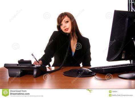 femme au bureau femme d 39 affaires au bureau 3 images stock image 190604