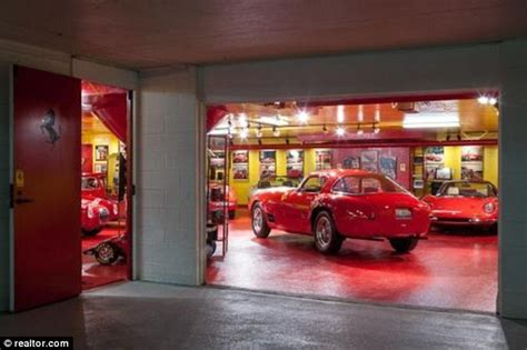 1229 lovell road knoxville tn 37932 8658625270 aston martin service knoxville audi service knoxville bmw service knoxville ferrari service. Showroom Garage Full of Ferrari : 4 Images