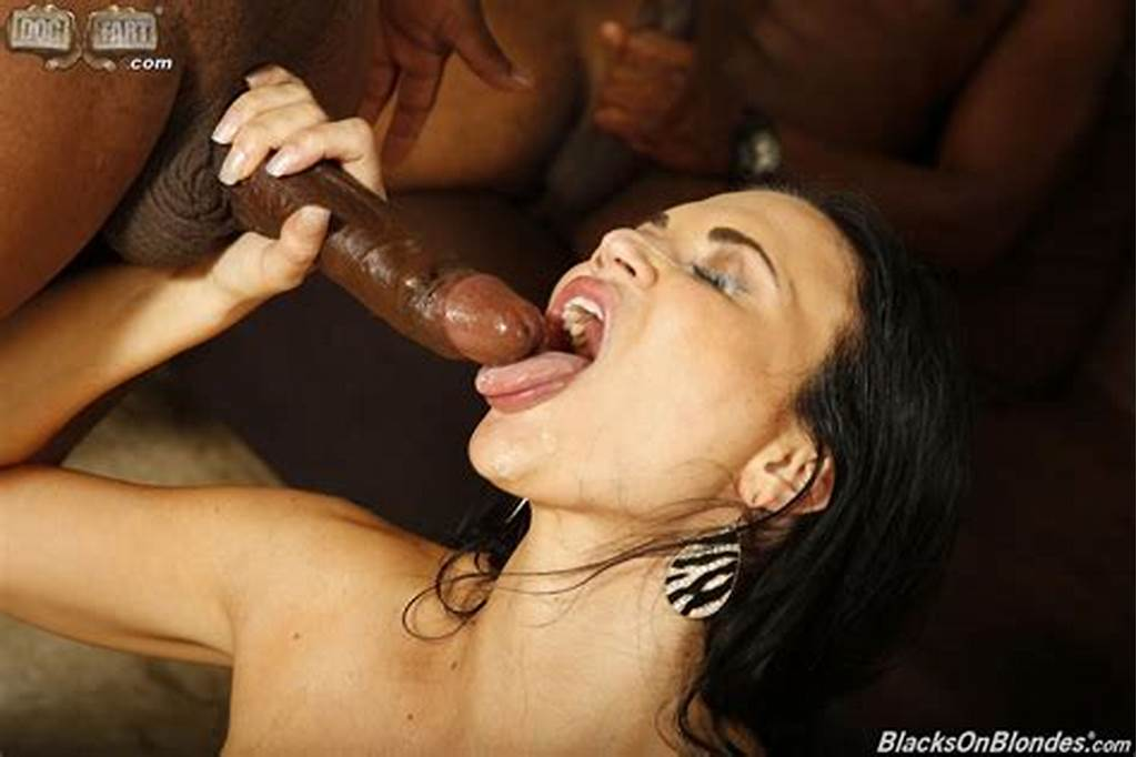 #Gorgeous #Brune #Jasmine #Jae #With #Pierced #Pussy #Gets #Fucked