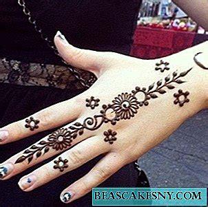100 gambar henna tangan yang cantik dan simple beserta cara. Cara Melukis Tangan Dengan Inai - gambar henna tangan simple dan bagus