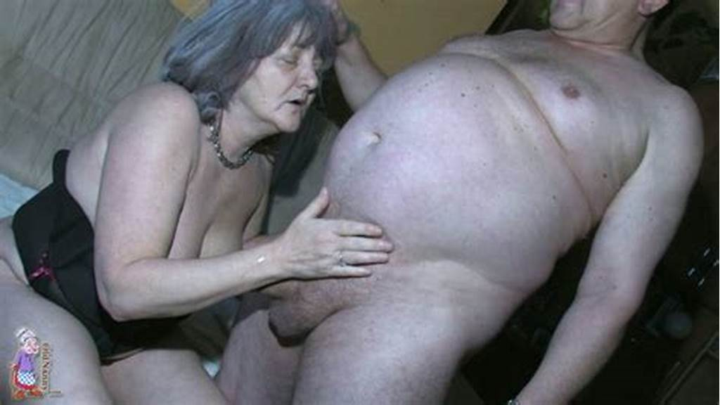 #Geezer #Gives #Cunnilingus #Licking #Fat #Granny'S #Smelly #Hairy
