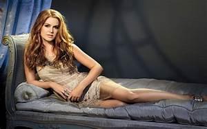 HD Nice Wallpapers of Beautiful Model Girl