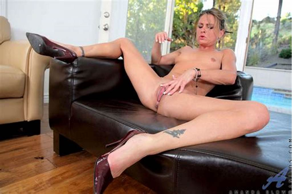 #Amanda #Blow #Naked #Milf #Shows #Off #Her #Tight #Ass #While