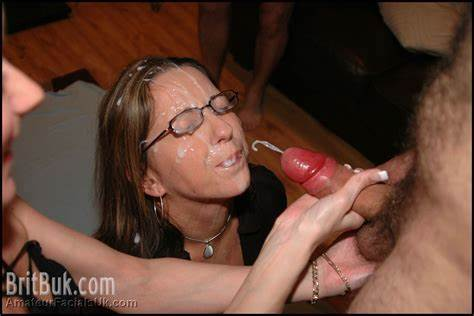 Granny Enjoys The Taste Of Spunk