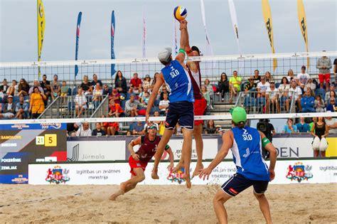Samoilovs and Šmēdiņš book semi-final spot at FIVB Beach ...