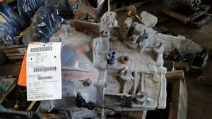 2005 Ford Escape Manual Transmission Assembly 121 855