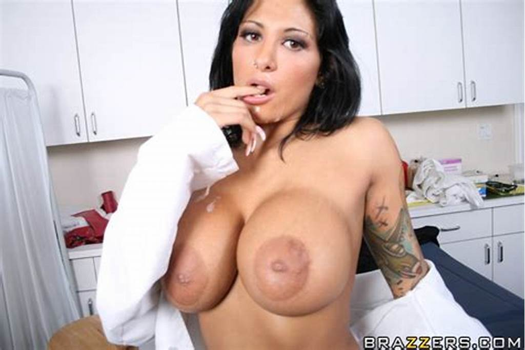 #Slutty #Doctor #Ricki #Raxxx #With #Big #Boobs #Doesn'T #Miss #A