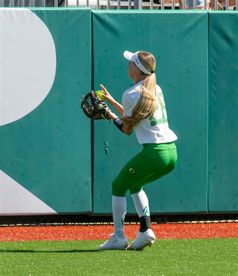 Haley cruse is an oregon softball player who plays in the outfield position. Oregon Softball star Haley Cruse isn't ready to hang up ...