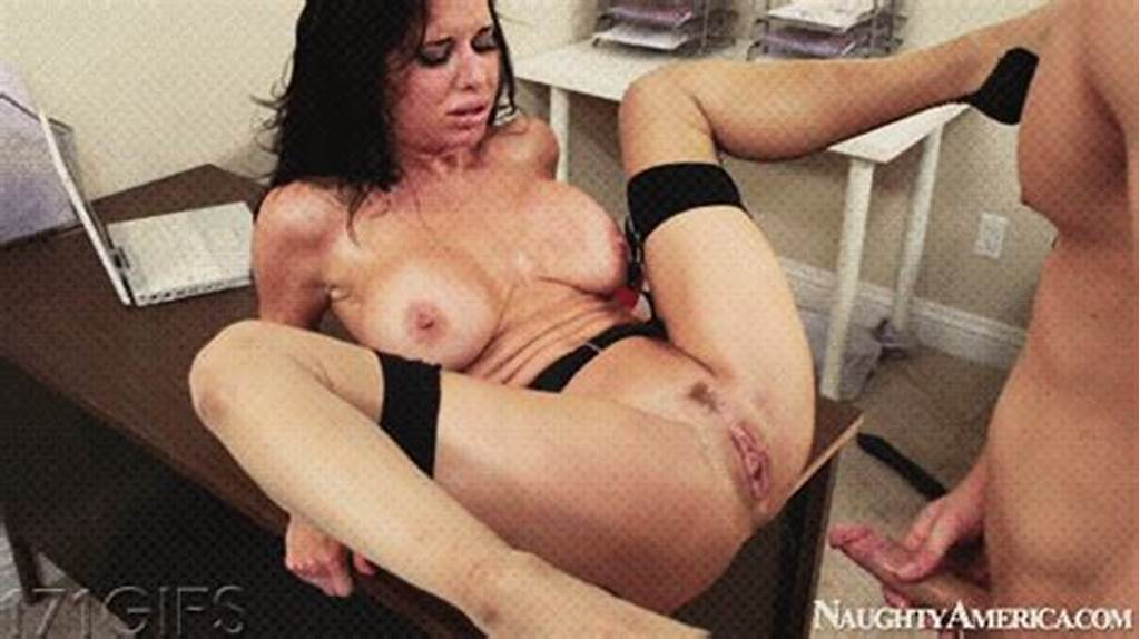#Hottest #Gifs #Milf #Mom