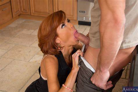 Veronica Avluv Lipstick And Fuck Most Blowie Pics