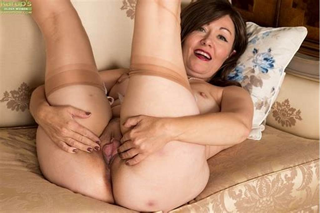#Older #Brunette #Chubby #Kitty #Cream #Spreading #Ass #And #Pussy
