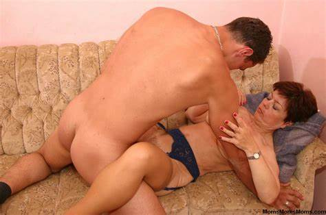 Stepmom Teaches Neighbor How To  Swallow