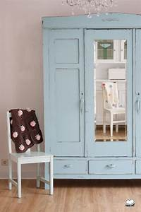 Kleiderschrank Weiß Vintage : vintage schr nke antiker kleiderschrank in t rkis ein ~ Watch28wear.com Haus und Dekorationen