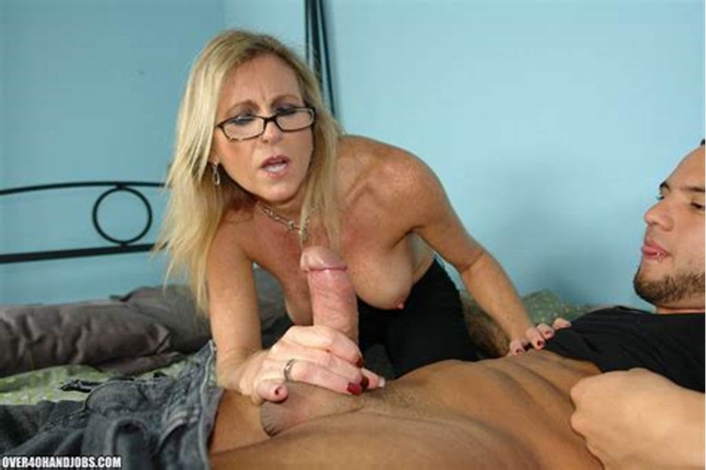 #Mom #Loves #Making #Young #Guys #Nut
