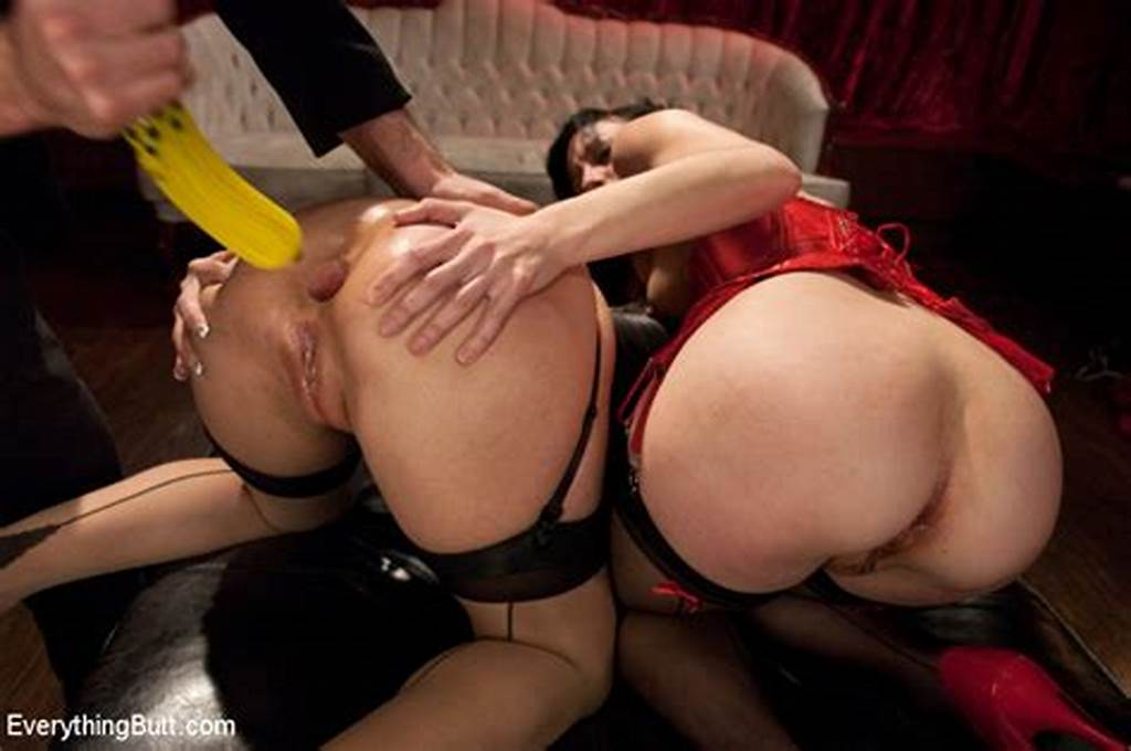#Skinny #Elise #Graves #Wearing #A #Red #Corset #Lets #The #Brunette