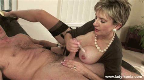 Curvy Shelady Slow And Jizz Flow cougar finishing the job