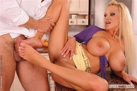 Pink Mature In Fervent Orgies Group