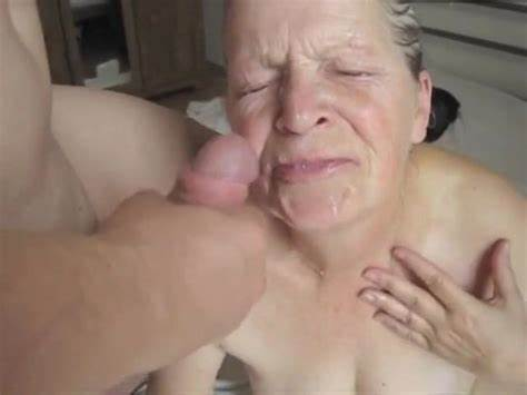 Bigtits Granny Eating Boner And Let РЎasual Grandma Kiss On A Meat And Let Gush