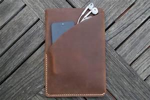 Housse Pour Canapé En Cuir : housse de protection en cuir brun pour ipad mini ~ Melissatoandfro.com Idées de Décoration