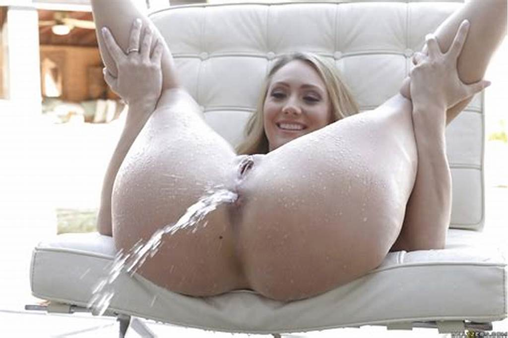 #Hot #Blonde #Aj #Applegate #And #Her #Round #Ass #Model #Outdoors
