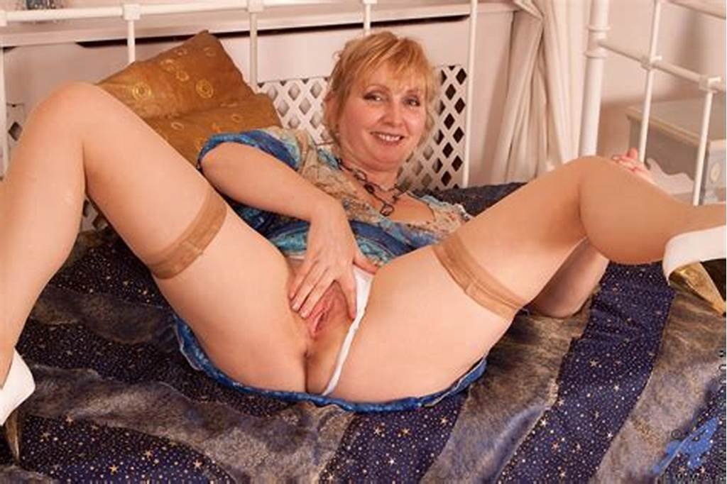 #Sexy #Curvy #Granny #Stuffing #Her #Wet #Meaty #Mature #Pussy #With #A #Kinky #Big #Dildo