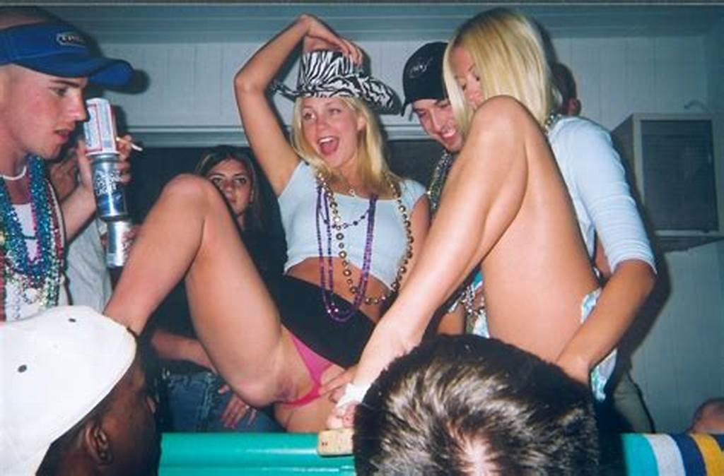 #Drunk #Party #Girls #Flashing #Pussy