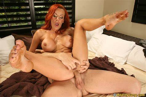 Sleazy Redhead Enjoy Puss Porn And The Facials