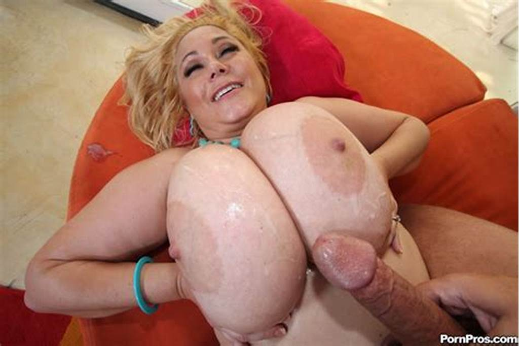#Samanthas #Giant #Tits #Jiggle #While #She #Gets #It #Doggy #Style