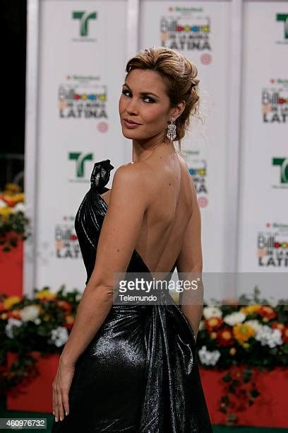 foto de World's Best Paola Toyos Stock Pictures Photos and