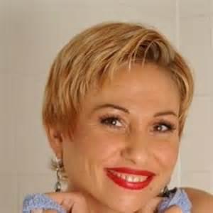 coupe de cheveux courte femme 50 ans coupes de cheveux femmes 50 ans