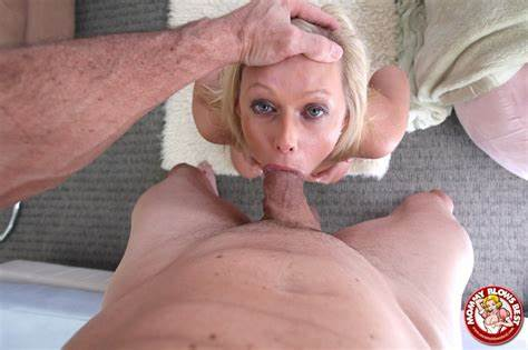 Amazing Mature Brutal Deepthroat On Hookuphotshot