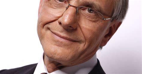A la tête de la ligue contre le cancer en tant que bénévole depuis juin 2019, axel kahn, 76 ans, a officiellement quitté son poste de président le 1er juin dernier, laissant sa place au professeur daniel nizri qui assurera l'intérim. Archive - Axel Kahn en 2010. - Purepeople