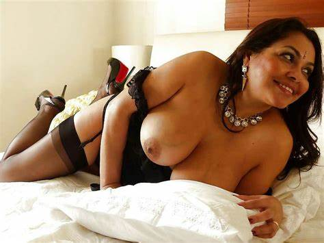 Bhabhi Stepsister Wears Beautiful Bikini Whi Eaw Xxx Images Showing Naked Large Breasts