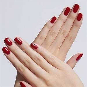 check out maroon chic nail design