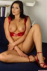 Porn pictures brunettes babes