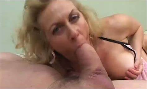 Stephanie Cane Gloryhole Squat Destroyed Hitachi Bouncing Lipstick Boobs And Eye Contact