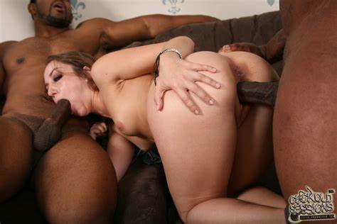 Gangbang Drilled In Front Of Spycam