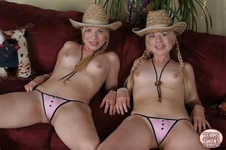 Nude Texas Teen Twins
