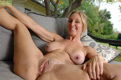 Buxom Bald And Haired Bisexual Lady Soapy Vixen Trash Lets Head And Tries Destroyed For Sperm On