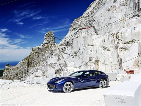 The values of fuel consumptions and co2 emissions shown were determined according to the european regulation (ec) 715/2007 in the version applicable at the time of type approval. Ferrari GTC4 Lusso (2017) picture #08, 1024x768