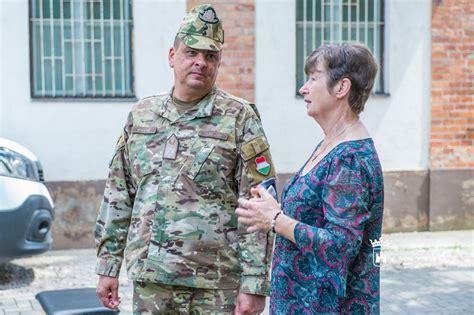 Mától ő a magyar honvédség parancsnoka. Székesfehérvár Városportál - A gyermekvédelemben nevelkedő ...