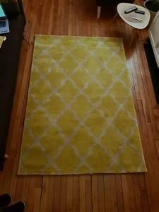 tapis jaune et gris 140x200cm luckyfind With tapis ethnique avec canapé d angle moins de 200 euros