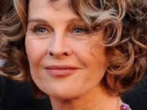 coupe de cheveux courte femme 50 ans coupe courte femme 48 ans