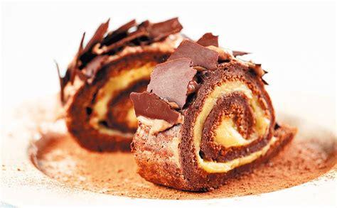 Šokolādes rulete ar vārīto krēmu — Santa